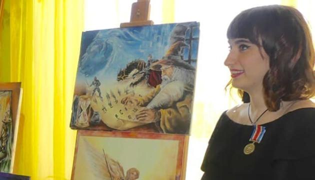 Юна художниця з Харківщини перемогла на міжнародному конкурсі в Каннах