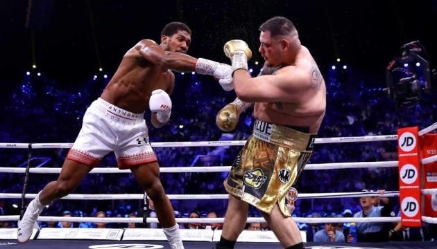 Бокс: Джошуа победил Руиса