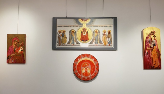В канадському Етобіко триває виставка ікон і сакрального мистецтва від українських митців