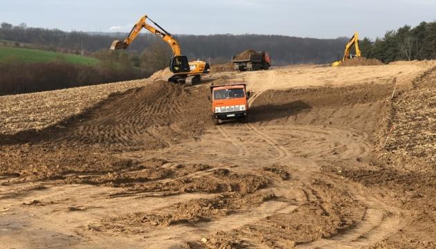 Возле Ривне начали строить объездную дорогу