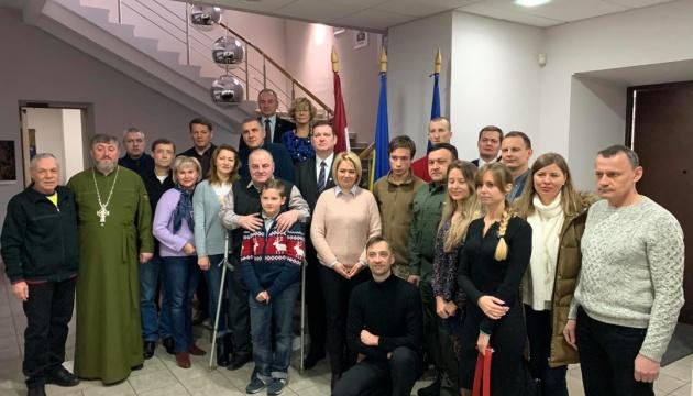 Сущенко, Гриб та інші:  до Латвії на реабілітацію вирушили колишні політв'язні