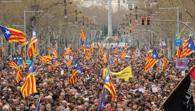 """Каталонская полиция выступает за перенос матча """"Барселона"""" - """"Реал"""""""