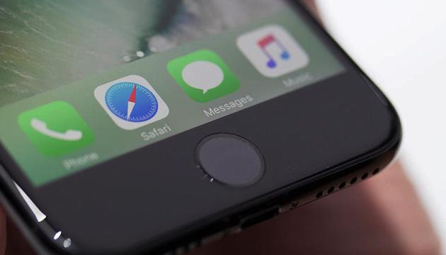 Apple видалила застосунок для знайомства антивакцинаторів