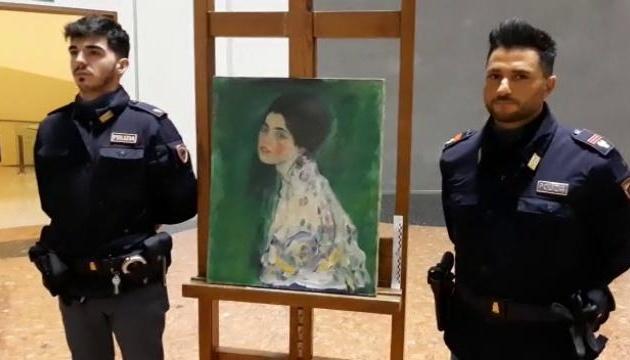 В Италии в стене музея нашли украденную 22 года назад картину Климта