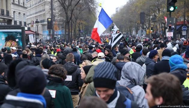 Забастовки во Франции не собираются прерывать на рождественские праздники