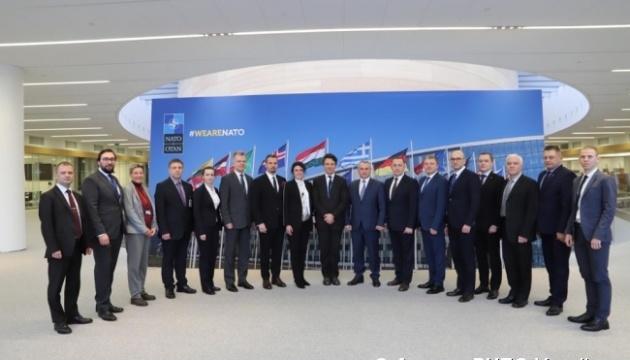 Україна і НАТО оновили Дорожню карту співробітництва