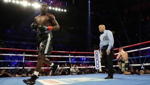 Бокс: Кроуфорд нокаутував Каваляускаса
