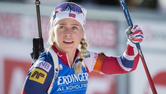 Норвежка Экхофф выиграла гонку преследования на втором этапе Кубка мира по биатлону