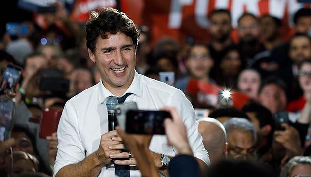 Трюдо не виключає, що за канадцями почнуть стежити через смартфони