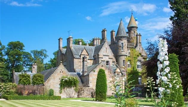 Жить в замке и пить кофе: новая работа мечты в Шотландии