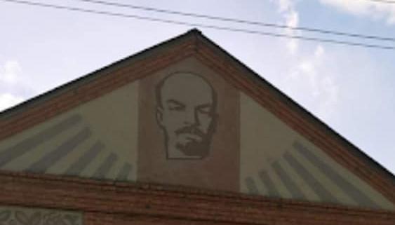 На Харьковщине со зданий убрали последнего Ленина