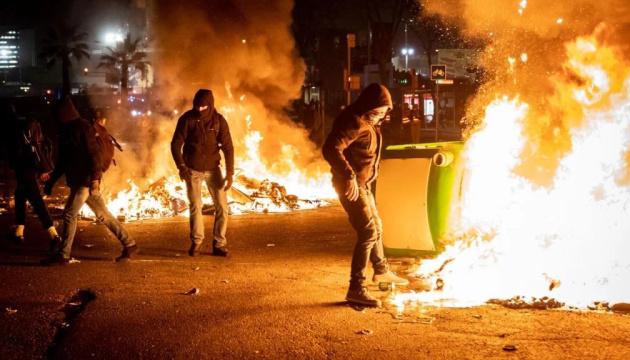 Протесты в Барселоне: возле стадиона