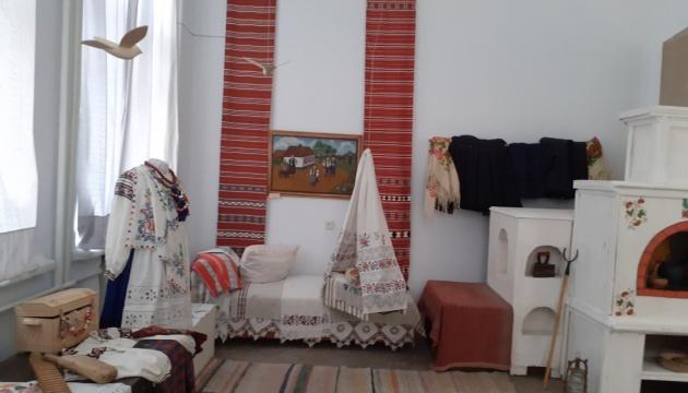 Чернігівський музей покаже, як українці змінювали інтер'єр хати на різні свята