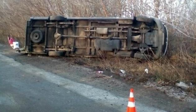 На Житомирщині перекинулася маршрутка з пасажирами, є постраждалі