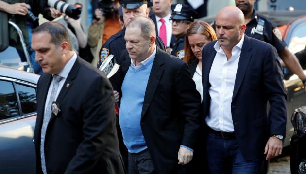 Присяжні визнали Вайнштейна винним у сексуальному насильстві та зґвалтуванні
