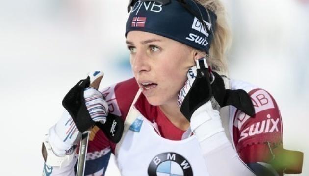 Норвежка Экхофф сделала хет-трик на Кубке мира по биатлону в Анси