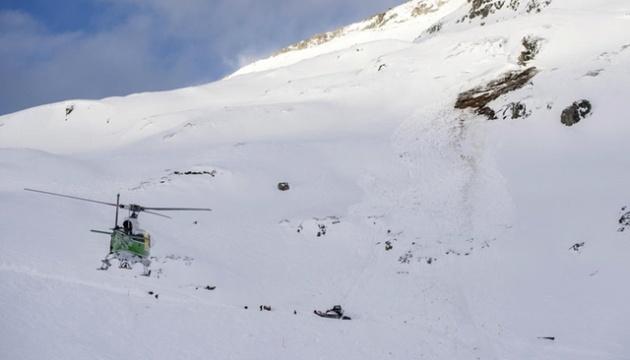 В Швейцарии сошла лавина, проводят поисковую операцию