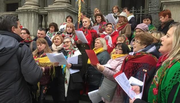Українці в Мілані й Ватикані колядували та розповідали про українське Різдво