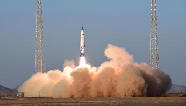 В Китае запустили коммерческую суборбитальную ракету-носитель