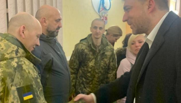 Загороднюк: Зі звільненими військовими працюватимуть медики і психологи