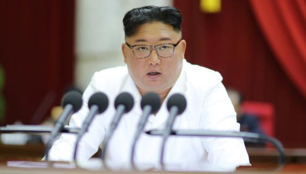 Кім Чен Ин вперше за три тижні з'явився на публіці з агресивними заявами