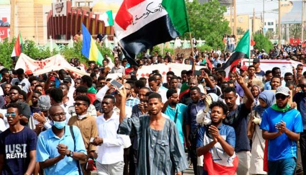 У Судані засудили до страти 27 силовиків за вбивство вчителя під час протесту