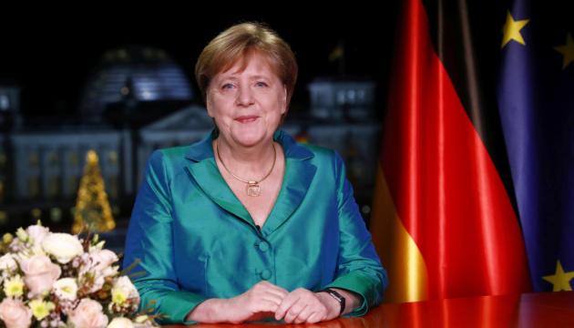 Меркель в новогоднем послании призывает к борьбе с изменением климата