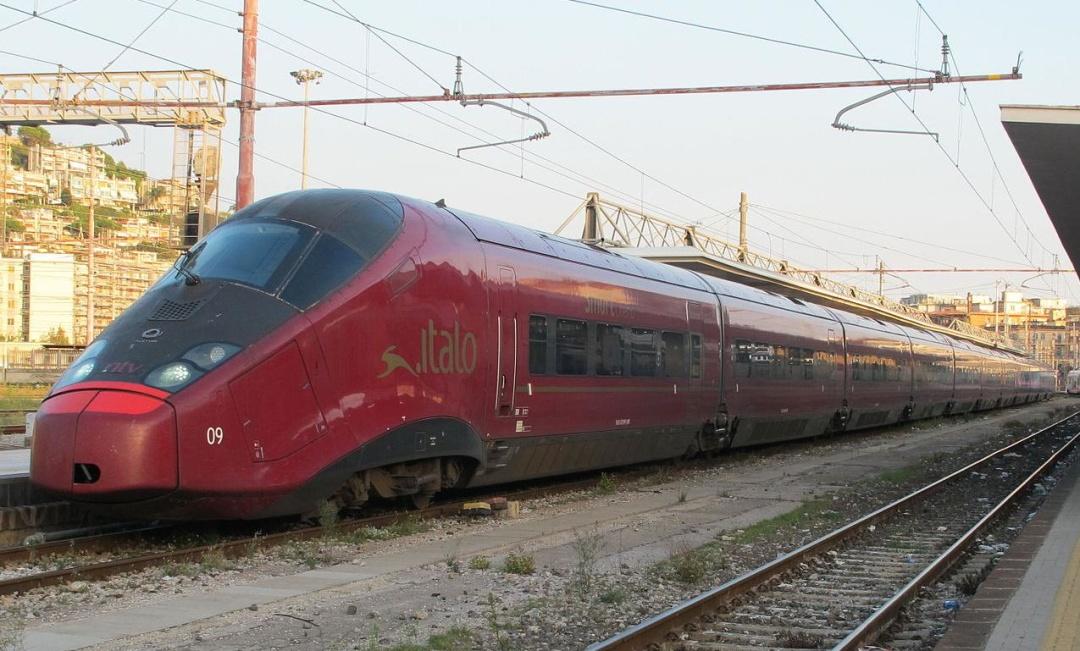 Високошвидкісний поїзд у Салерно