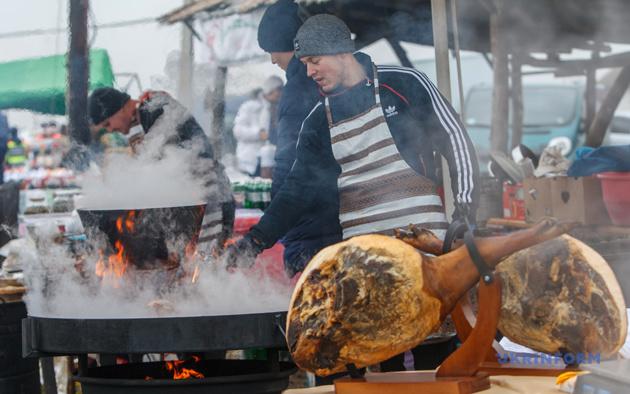 Фестиваль-конкурс різників свиней на Закарпатті