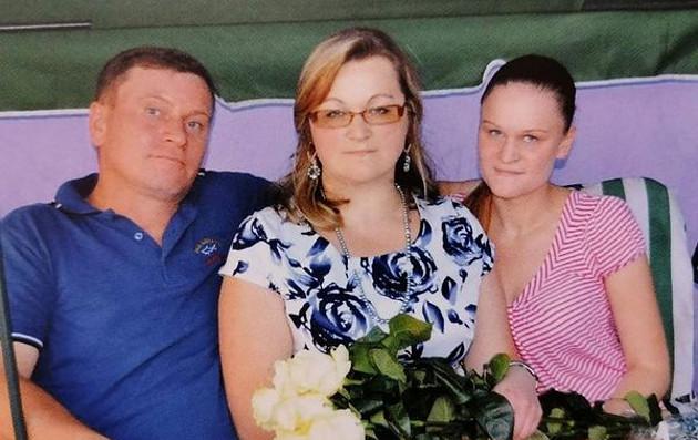 Анна Бортюк з чоловіком і дочкою / Фото: ivasi.news