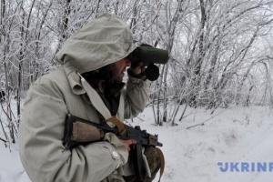 W Donbasie od ostrzałów okupantów zginął jeden wojskowy, a jeden został ranny