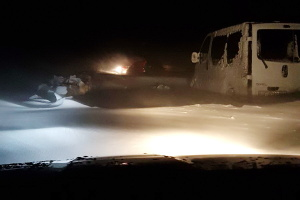 Непогода на Одесчине: закрыты две дороги, люди стоят в километровых пробках