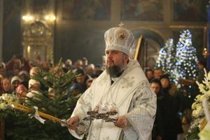 Epiphanius hält im St. Michaelskloster ein Amt ab