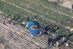 イランのウクライナ航空機墜落現場はブルドーザーでならされた=国際調査報道グループ「べリングキャット」
