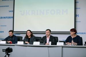 """Свобода, рівність, гідні умови. Які можливості українцям надає законопроєкт """"Про працю""""?"""