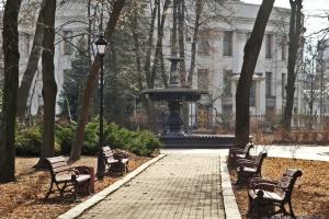 У Маріїнському парку буде новий великий дитячий майданчик