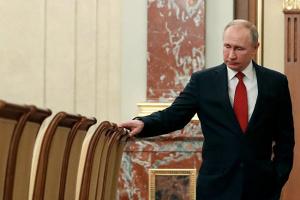 Изменить конституцию РФ: это проявление силы или слабости?