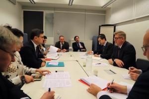 NATO lobt Reformen des Sicherheits- und Verteidigungssektors der Ukraine