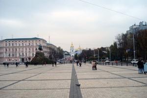 Після новорічних свят на Софійській площі відновили рух