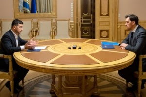Zelensky meets with Honcharuk, sets number of urgent tasks for government