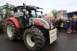 """У Берліні триває """"тракторний протест"""""""