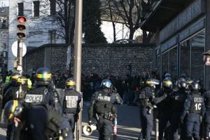Во Франции за нарушение режима карантина уже оштрафованы почти полмиллиона человек