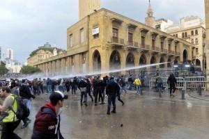 На протестах у Лівані постраждали вже понад 400 осіб