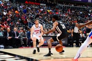 НБА: Михайлюк набрал рекордные 25 очков, «Детройт» победил «Атланту»