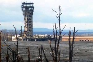 ドネツィク空港防衛戦終了から5年 戦死軍人の追悼式に大統領出席
