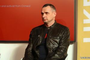 Сенцов закликає стати донорами для поранених бійців ООС
