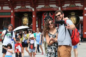 Іноземні туристи торік залишили в Японії рекордну суму грошей