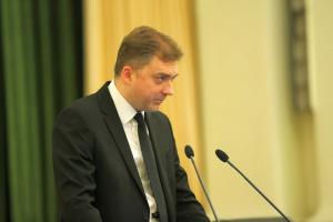 """Міністр оборони вручив пам'ятні знаки рідним загиблих """"кіборгів"""""""