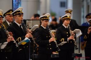 """В Одеському аеропорту пам'ять """"кіборгів"""" вшанували три оркестри"""