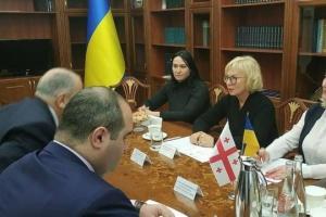 Denísova discute con el nuevo Embajador de Georgia los derechos humanos en territorios ocupados
